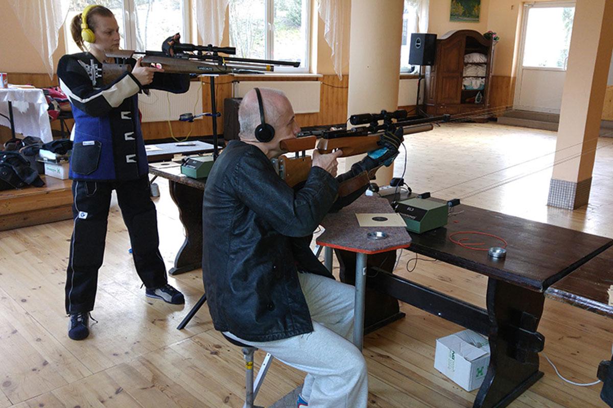 Zapraszamy serdecznie do wypróbowania swoich sił w strzelectwie